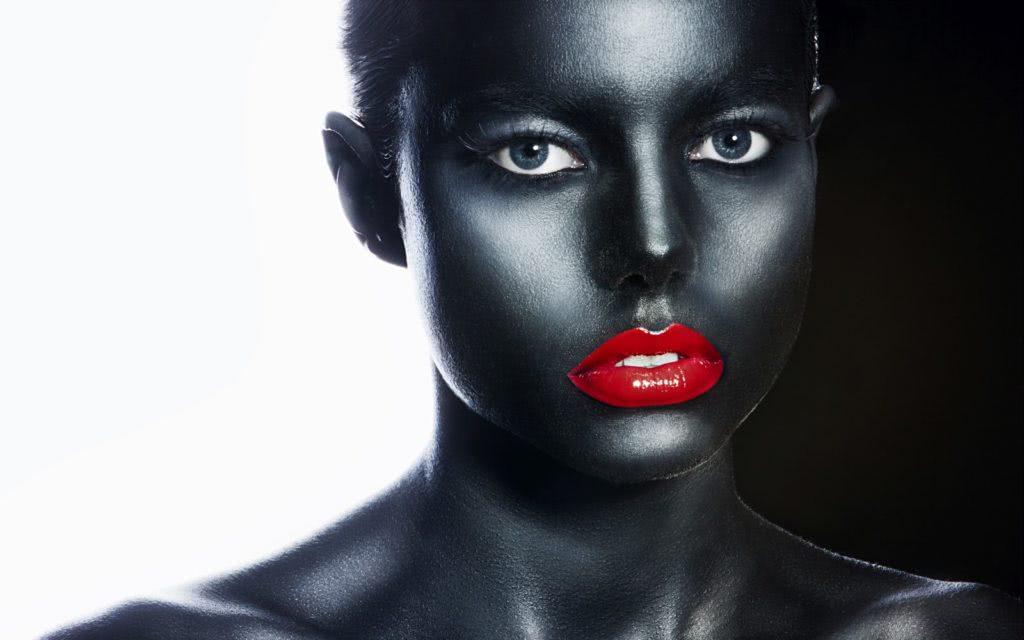 Modelka Facepaintingu